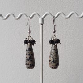 Oorbellen met druppels van dalmatier jasper