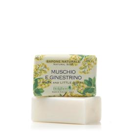 Muskus en Gaspeldoorn (vlinderbloem) zeep 100 gr.