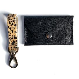 ❥ Cheetah & Black