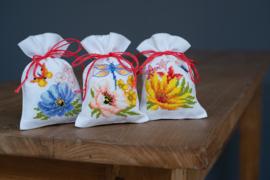 Kruidenzakje 'Kleurige bloemen' set van 3