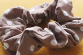 Scrunchie brown polkadot
