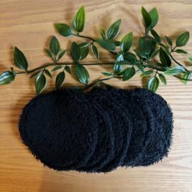 Zwarte wattenschijfjes