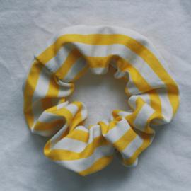 Scrunchie yellow stripe