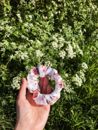Scrunchie white floral