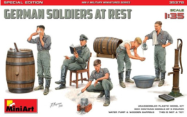 MiniArt | 35378 | German Soldiers at rest | 1:35