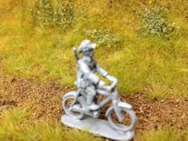 EarlyWarMiniatures | knilinf2 | 2 Dutch Knil soldiers on bikes | 1:72
