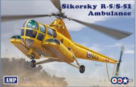 AMP | 72012 | Sikorsky R-5/S51 Ambulance | 1:72