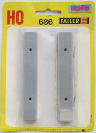 Faller, 686