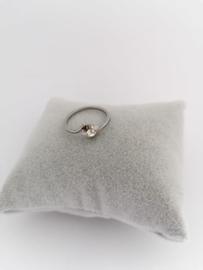 RVS Ring met steentje bloem