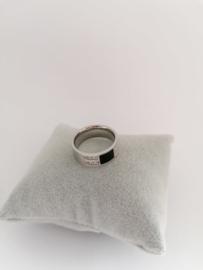 RVS Ring met steentjes en zwarte steen