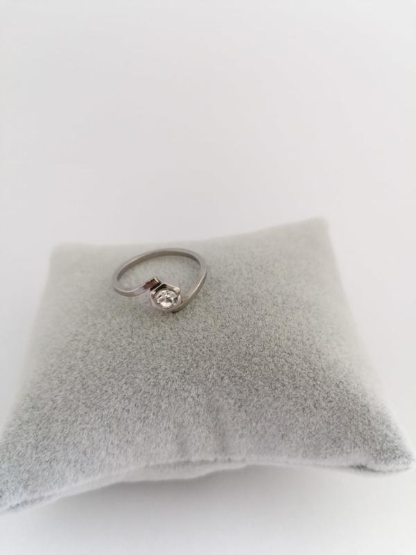 RVS Ring met steen zeshoek