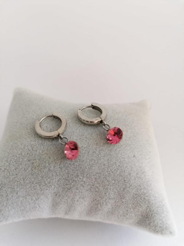 RVS oorbellen met roze steentjes