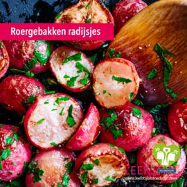 Roergebakken radijsjes met peterselie en knoflook