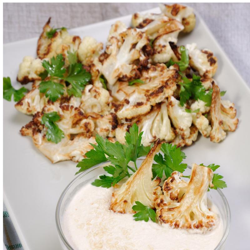 Geroosterde bloemkool met tahin-saus