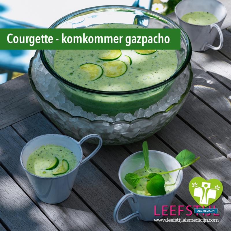 Courgette-komkommer gazpacho