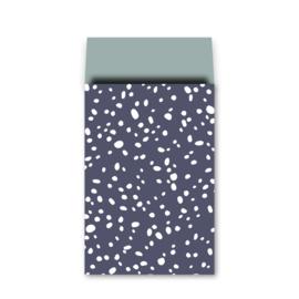 Cadeauzakje donkerblauw met witte vlokken 17x25cm