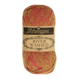 Scheepjes River Washed 50 gr - 947 Seine