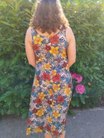 Dress with flowers Size: L