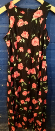 Long summer dress with red roses Size: L