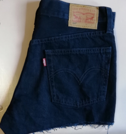 Levi's shorts navy blue Size W24