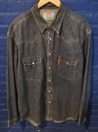 Denim shirt. Size: XL. Levi's