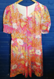 Floweres dress in pink Size: M