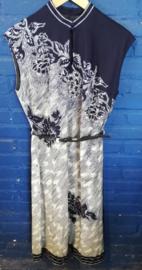 Blue/white dress with belt Size: L