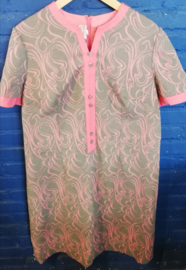Dress Grey/pink from the seventies Size: XL