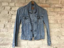 Women's Levi's denim jacket - Size XS