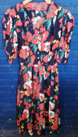 Summer dress with poppy's Size: L