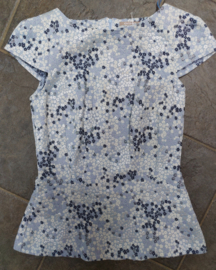 Blue top with flowers size: xs/s