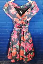 Dress with roses Size: S
