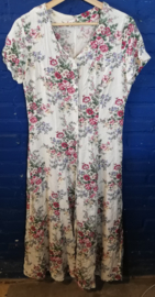 Dress white with roses Size: M