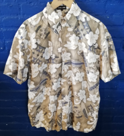 Hawaii shirt with white flowers Size: M