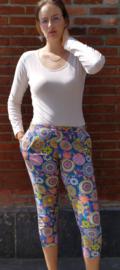 Multi coloured 3/4 pants Size: L/XL