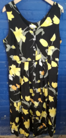 Black buttoned dress with yellow tulips Size: XL