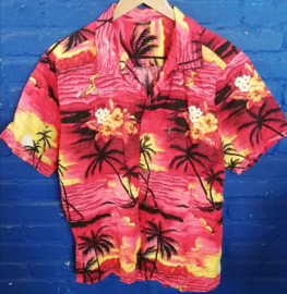 Hawaii Shirt red with sunset and surfer Size: L
