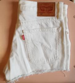Levi's shorts white Size W26