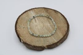 Armband Prehniet facet geslepen elastisch 4 mm