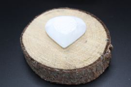 Hart knuffelsteen Seleniet met Bloem des levens 4 - 5 cm