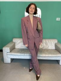 Raisin tone suit