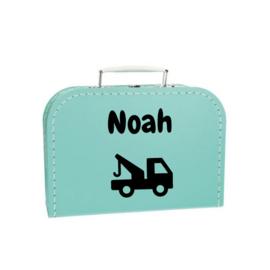 koffertje takelauto met naam