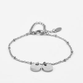 Initial disc bracelet | 2 initials | beaded chain | Zilver