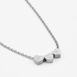 Tiny heart necklace | 3 hearts | Zilver