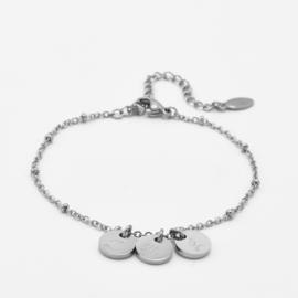 Initial disc bracelet | 3 initials | beaded chain | Zilver