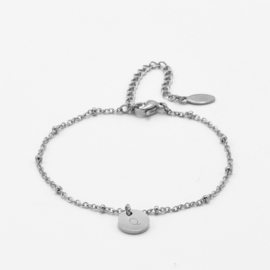 Initial disc bracelet | 1 initial | beaded chain | Zilver