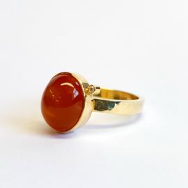Ring met Indische maansteen en diamant