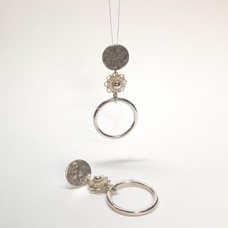 Zilveren oorbellen met Zeeuwse Knopen