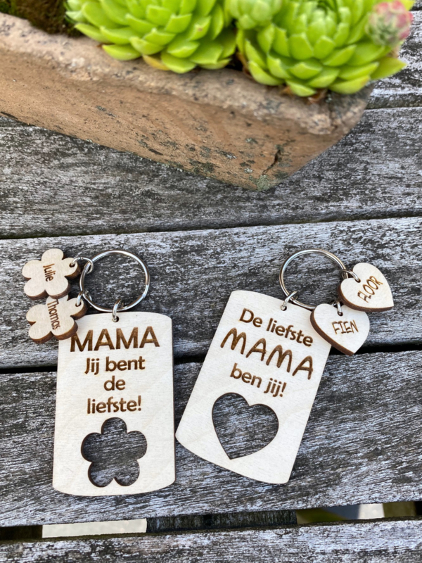 houten gepersonaliseerde sleutelhanger mama/moederdag