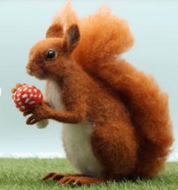 NIEUW ! Naaldviltpakket Solly de eekhoorn (engelstalig) per pakket